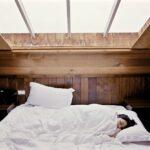 Nespí se vám v zimě dobře? Možná máte špatnou přikrývku